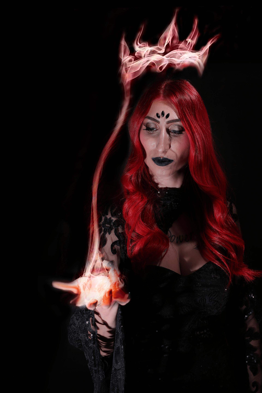 המכשפה הלבנה ג'ניפר איסקוב